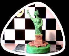 Freiheitsstatue- Torte (Tortenwahn) Tags: marzipan kuchen fondant gebäck freiheitsstatue süs buttercreme motivtorte mottotorte mottotorten