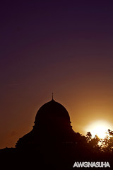 Day 94/365- Masjid An-Nur retake (awgnasuha) Tags: light urban color silhouette muslim islam mosque brilliant tone masjid rayoflight project365 canon1000d