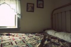 Pismo Penelopi (provincijalka) Tags: old blur window up vintage utah bed bedroom poem quilt empty room naturallight visit eerie pillows antelopeisland awake left unrest unmade ranchouse provincijalka perozubac pismopenelopi almostpainful