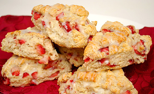 What's Cookin, Chicago: Strawberry Lemon Scones
