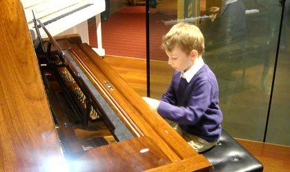 Pianist Leo