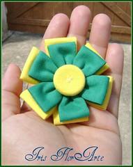 Porque somos brasileiros... (Iris Florarte) Tags: verde brasil time flor artesanato amarelo fuxico copa quadrada feitoamão