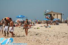 IMG_3934 (Streamer -  ) Tags: old girls people sun boys sport festival israel football sand soccer teen bikini volleyball maccabiah  teenage streamer   matkot    ashkelon