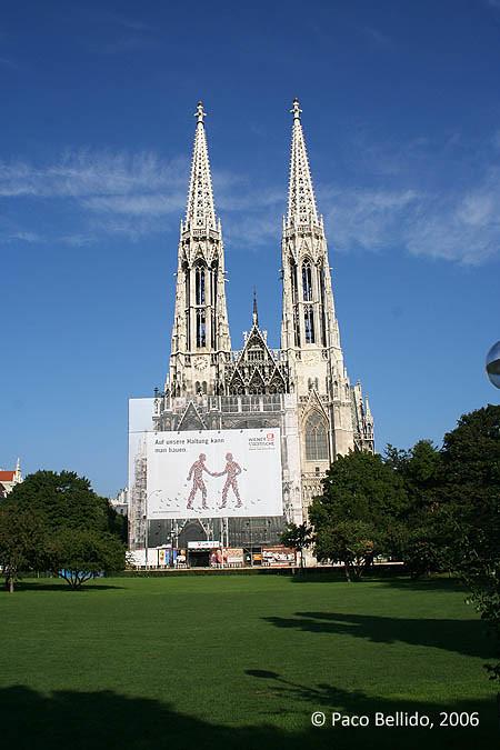 Votivkirche. © Paco Bellido, 2006