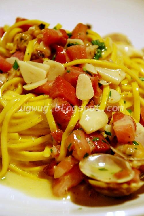 Linguini, Manila Clams, Garlic, Pancetta, Fresh Chili, Wild Oregano