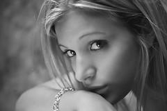 Ilenia (il goldcat) Tags: girls portrait blackandwhite cute girl portraits canon blackwhite nice fine ritratti ritratto biancoenero handsom ragazze wonderfull  ilenia goldcat canoniani
