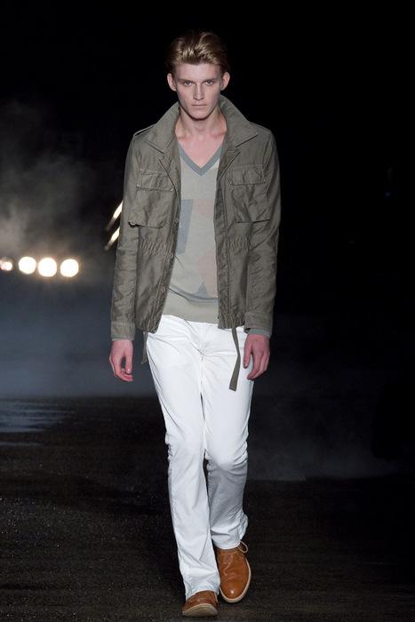 Charlie Westerberg3441_SS11_Tokyo_Davit MEURSAULT(Fashionsnap)
