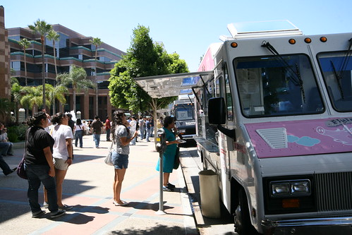 Food trucks parked along Wilshire Blvd. in Miracle Mile