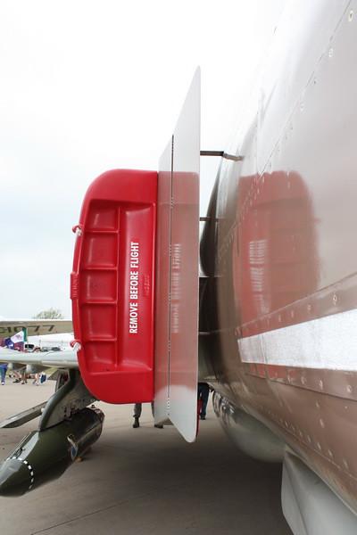 EAA10_F-4E_75