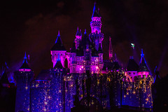 """""""Remember Dreams Come True"""" Fireworks Spectacular in Disneyland with Tinkerbell in flight (GMLSKIS) Tags: disney california rememberdreamscometrue fireworksspectacular sleepingbeautycastle disneyland tinkerbell nikond750 fairy"""