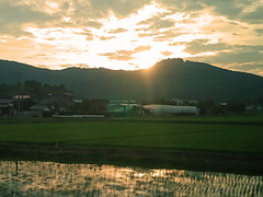 Ibaraki sunset 3 茨城の日没3 (Shutter Chimp: Im back!) Tags: ibaraki japan sky travel mountain field cloud reflection sun sunset 日本 茨城県 茨城 空 雲 日没 田圃 たんぼ 山 太陽 反射 dusk
