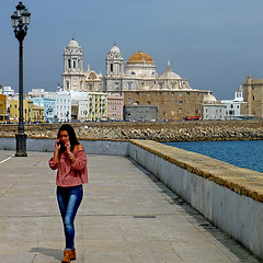 Cadiz, Andalusia, Spain (pom.angers) Tags: panasonicdmctz30 april 2017 españa andalucìa spain andalusia cadiz europeanunion woman church religion cathedral streetlight sea 100 150
