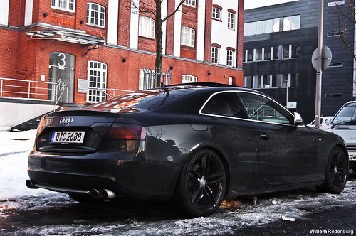 Cars With Black Rims (Group)