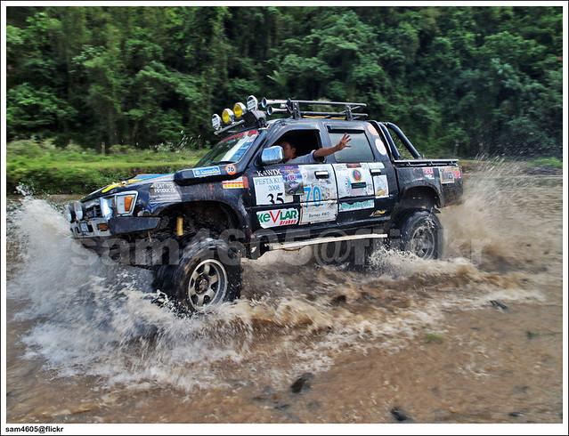 Tambunan 4x4 Challenge - Toyota Hilux Drift