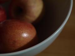 Pommes. (jillandrowan) Tags: apple 50mm bowl pomme
