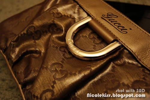 gucci wristlet  D-ring