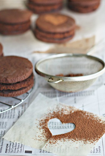 KBB#15 : chocolate mud cake cookies sandwiches