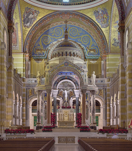 Cathedral Basilica of Saint Louis, in Saint Louis, Missouri, USA - full sanctuary