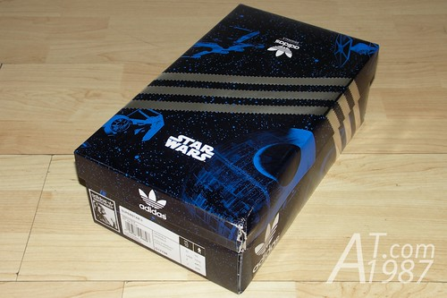 adidas Originals + Star Wars collection : Darth Vader</p> <p align=