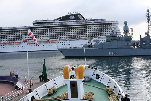 ¿Que fue de los barcos que parecian barcos y no fachadas de cualquier cutre-hotel? by RnROutlaw.com