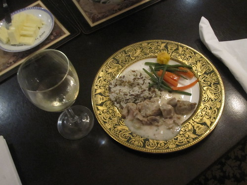 blanquette de veau, rice, veggies, white wine