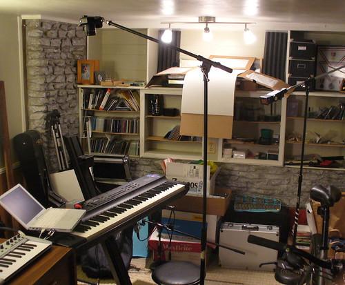 5/52: setup shot for Bill Van Loo iBook instrument station portrait
