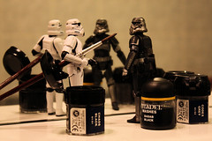 Paint it black (Stfan) Tags: black pencil painting toy actionfigure starwars paint noir stormtroopers peinture stormtrooper figurine jouet hasbro gamesworkshop darktrooper shadowtrooper stormtroopers365
