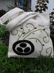 Plante paz (TZOLKINART.) Tags: cores amor artesanato recicle harmonia tzolkin feitoamo muitascores bolsasartesanais otempoarte bolsasexclusivas bolsasfeitasamo viverdearte vivaaarte vivaanatureza