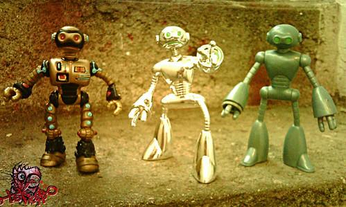 """Teenage Mutant Ninja Turtles """"Fugitoid"""" :: 'Sal' Units - 1990 model, 2009 model , 2004 model ..comparison i"""