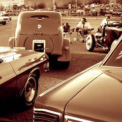 Friday night classic cars (ANDY FROM RUBBY) Tags: from canada hot cars ford andy car sepia vancouver america 60s classiccar muscle camaro chevy hotrod rod pontiac 50s 40 50 langley 60 classiccars aw rubby 40s dunlop seppia flickrheartspost1give5heartspool flickrbronzeaward~post1award5awardsweeperrunningpool flickrsilverawardinviteonlyawardsweeperactivepool