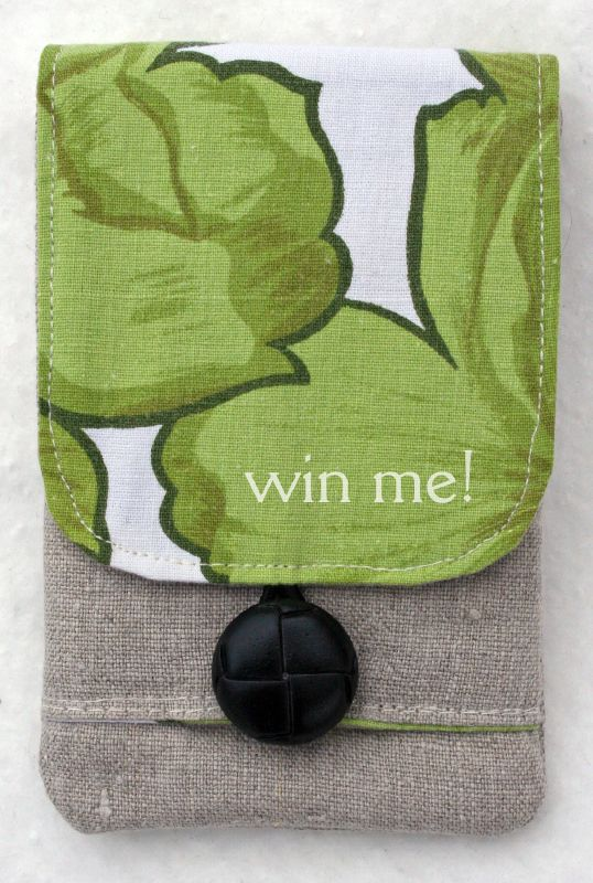 ipod cover linen green with black button