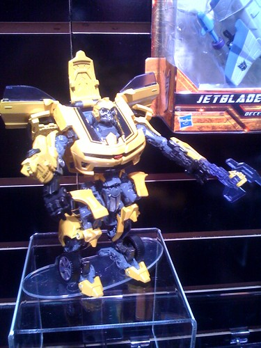 Rotf deluxe bumblebee with new transformation, axe and hand / cannon