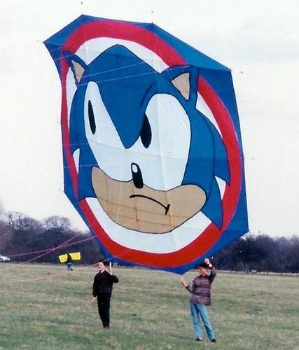 giant-sonic-kite1