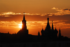Kremlin sunset (Alexander Sidorov aka Alex Sidoroff) Tags: sunset portrait blackandwhite orange dog sun girl nikon russia moscow kremlin        artlegacy