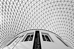 Looking up at the British Museum (5ERG10) Tags: uk greatbritain windows roof light shadow portrait england blackandwhite bw london geometric glass sergio lines stone museum architecture modern stairs contrast court hall nikon europe shadows unitedkingdom geometry steel curves shapes entrance wideangle arches courtyard tourist structure symmetry bn ceiling norman inner foster gb symmetric series british column museo britishmuseum londra architettura readingroom greatcourt attraction d300 sigma1020 nohdr amiti 5erg10 sergioamiti