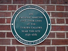 Photo of Tyburn Tree green plaque