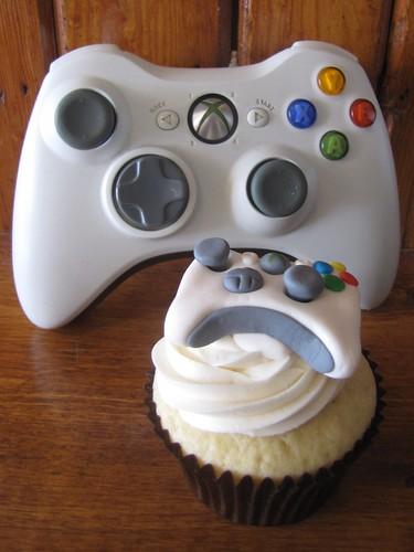 XBOX 360 Controller Cupcake