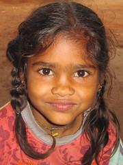 Small girl having breakfast - Terre d'Espoir (Pondspider) Tags: poverty india children child goa enfants enfant colva linde pauvreté migrantworkers anneroberts annecattrell terredespoir janinegaiddon pondspider charitéfrançaise