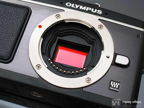 Olympus_EP2_exterior_09 (by euyoung)