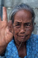 Vieille femme indonsienne (Yogyakarta, Java, Indonsie). (Emmanuel LATTES) Tags: old portrait woman senior lady female indonesia asian person java asia hand ride grandmother expression pat femme main anger tape elderly expressive asie slap yogyakarta tap striking retired taper glance wrinkle taping indonesian grandmre exasperated irritated vieille regard exasperation decided severe wrinkled asiatique strict irritation pensioner colre retraite nerv pating aggravated authoritative indonsie frapper troisimege thirdage expressif slaping personneage rid svre retrait dcid stricte autoritaire tostrike indonsienne agac exaspr exaspration agacement getonnerves