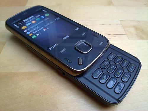 Nokia N86