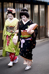 Baika-sai '10 #30 (Onihide) Tags: kyoto maiko geiko geisha teaceremony kitanotenmangu baikasai kamishichiken kagai ichiteru   onihide ichaimme