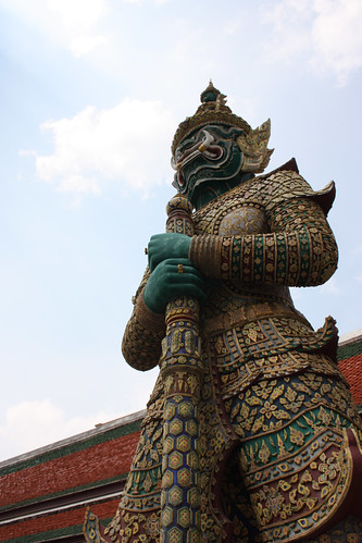 Guardian Giants at the Grand Palace