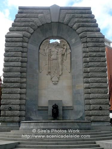 war memorial back