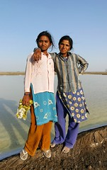 Gujarat - Kutch (jmboyer) Tags: voyage travel portrait people india tourism face canon photography photo eyes asia flickr photos retrato picture tribal viajes planet lonely asie lonelyplanet monde ethnic minority couleur gettyimages gujarat tourisme visage inde reportage nationalgeographic  minorities travelphotography googleimage  go indiatourism colorsofindia incredibleindia indedunord indedusud photoflickr photosflickr canonfrance earthasia photosyahoo imagesgoogle jmboyer img3262dxo northemindia photogo nationalgeographie photosgoogleearth