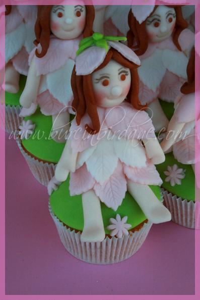 Peri Cupcake 2