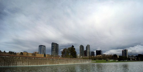 Bellevue Downtown Cloudy Pan (CC)