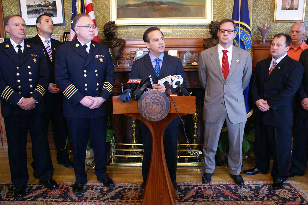 Mayor Cicilline, Firefighters Local 799 Reach Tentative Contract Agreement (March 22, 2010)