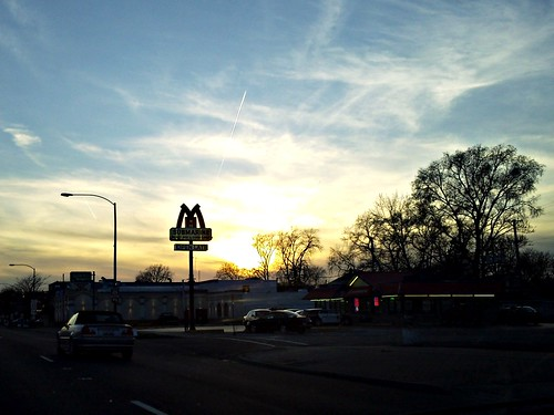 2010-03-22 18.43.31 Berwyn, IL sunset