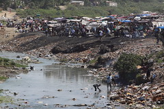 (Bruno Fraiha) Tags: camp haiti garbage acampamento lixo esgoto portauprince portoprincipe